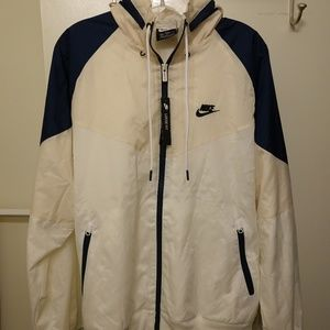 NWT Nike Windbreaker Running Jacket White/Tan